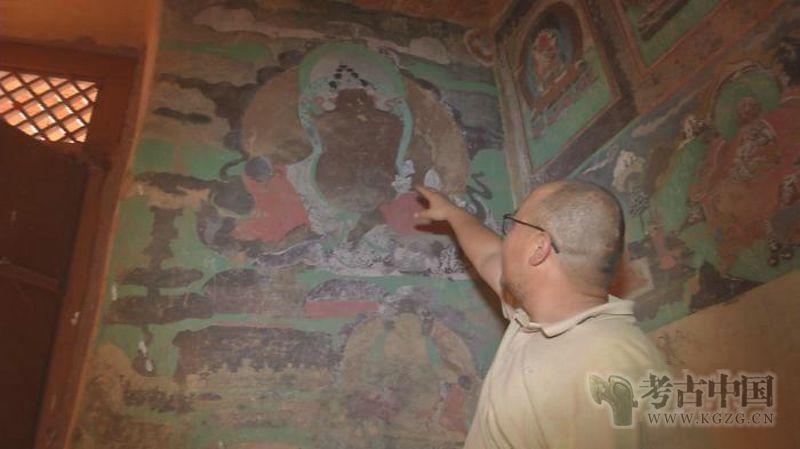 """不改变文物原状 """"草原敦煌""""阿尔寨石窟壁画修复工程过半"""