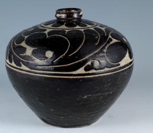 金代 · 黑釉剔花瓶(山西博物院)