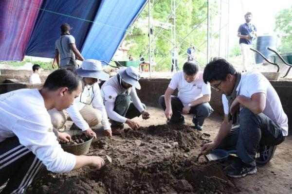 中斯联合考古队在曼泰港遗址发现大量文物