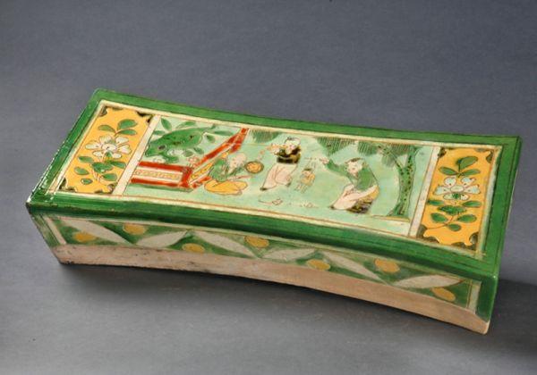 宋代 · 三彩童子傀儡戏枕(河南博物院)