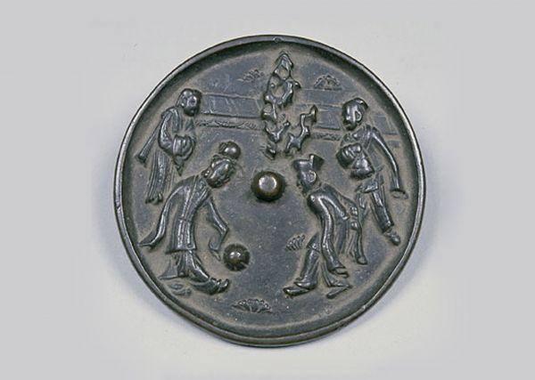 宋代 · 足球纹铜镜(湖南省博物馆)