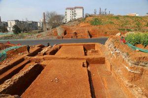 江西:宜春发现古城墙遗址