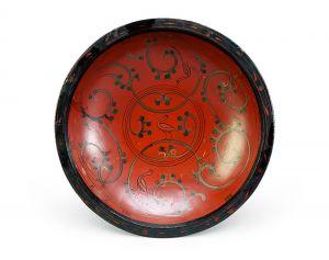 西汉 · 彩绘凤鸟纹漆圆盘(湖北省博物馆)