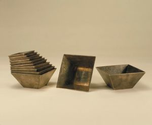 清代 · 银方斗式杯(故宫博物院)