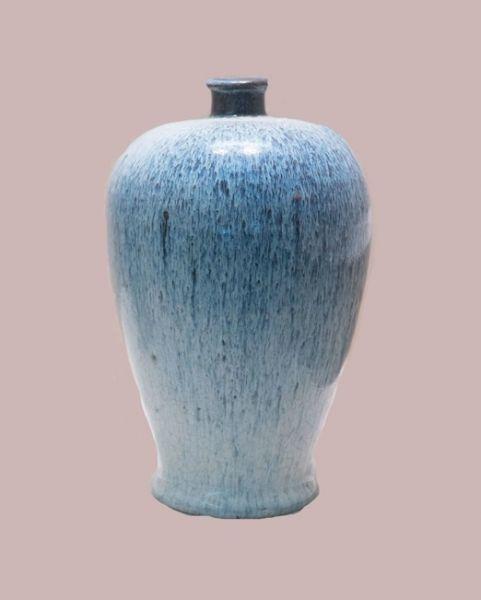 明代 · 石湾窑翠毛釉梅瓶(广东省博物馆)