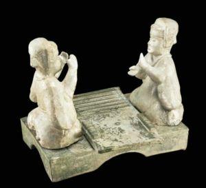 李重蓉:大英博物馆藏东汉六博釉陶俑考辨