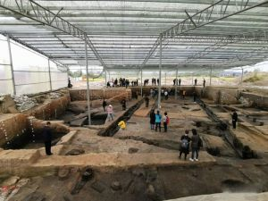 """4700年的大型木结构建筑基础""""惊现""""湖南鸡叫城遗址"""