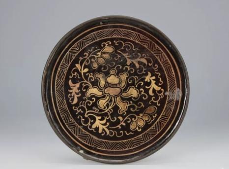 清代 · 描金花卉镜 (辽宁省博物馆)