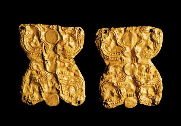 战国 · 盘龙纹金饰片(甘肃省博物馆)