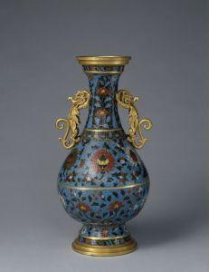 元代 · 景泰款掐丝珐琅缠枝莲纹龙耳瓶(故宫博物院)