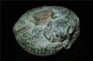 战国 · 错金银铜豹镇(河南博物院)