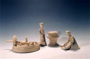 隋代 · 白釉粮食加工作坊(河南博物院)