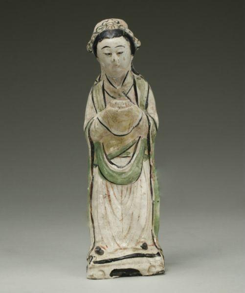 宋代 ·白釉加彩女俑(山东博物馆)