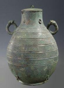 战国 · 交龙纹壶(山西博物院)