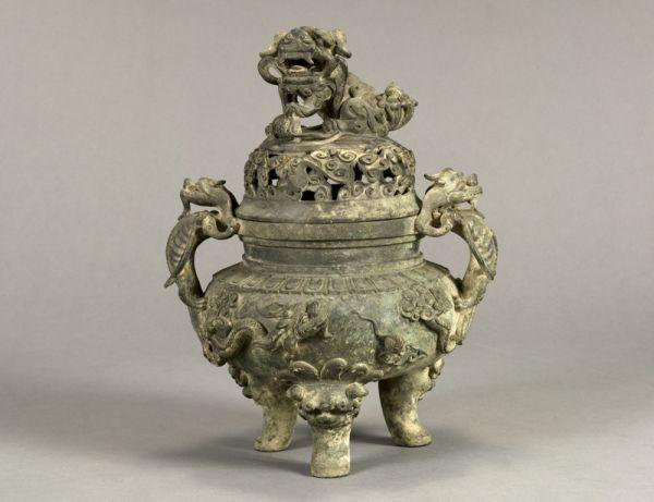 明代 · 狮龙纹香炉(湖南省博物馆)