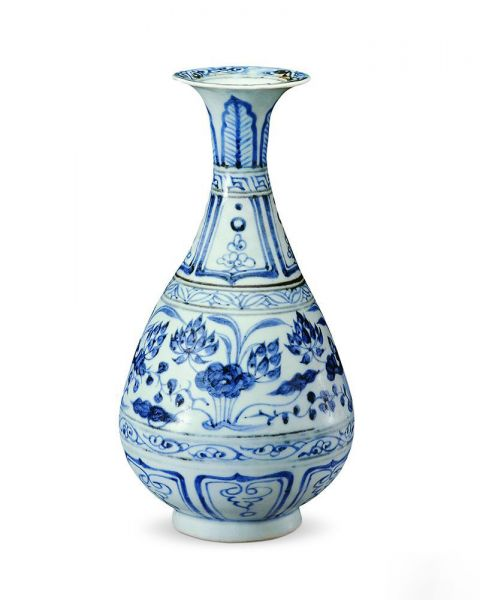 元代 · 青花莲纹玉壶春瓶(湖北省博物馆)