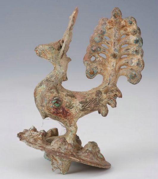 西汉 · 鎏金嵌宝石雀钮铜饰件(广西壮族自治区博物馆)