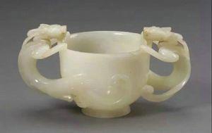 明代 · 白玉双螭耳杯(首都博物馆)