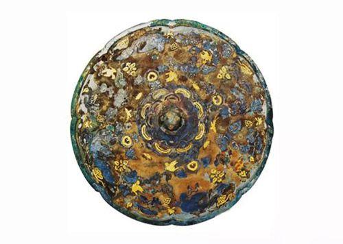 唐代 · 羽人花鸟纹金银平脱铜镜(中国国家博物馆)