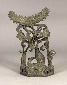 明代 · 鲤鱼荷叶纹镜架(湖南省博物馆)